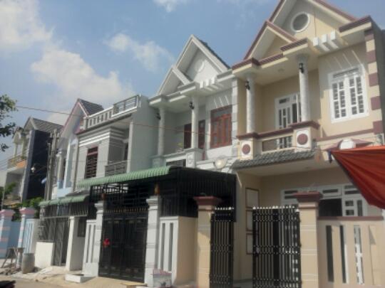 Bán nhà mặt tiền đường Nguyễn Văn Linh