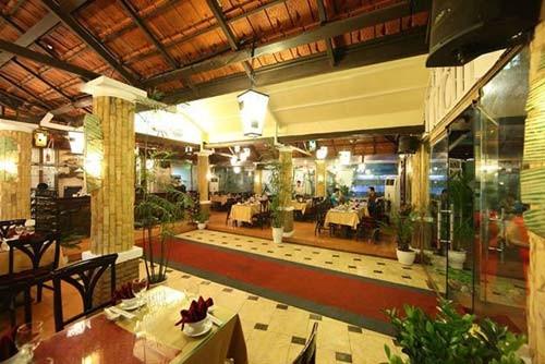 Cho thuê nhà hàng đường Lê Lợi, DT 10x40m, H Đông, 40 triệu